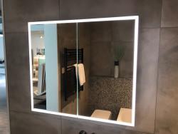Luxe spiegelkast 80cm met led verlichting en stopcontact volledig aluminium 1208846272