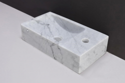 Forzalaqua VENETIA marmeren fontein Carrara gepolijst 40x22x10cm met kraangat rechts 100430